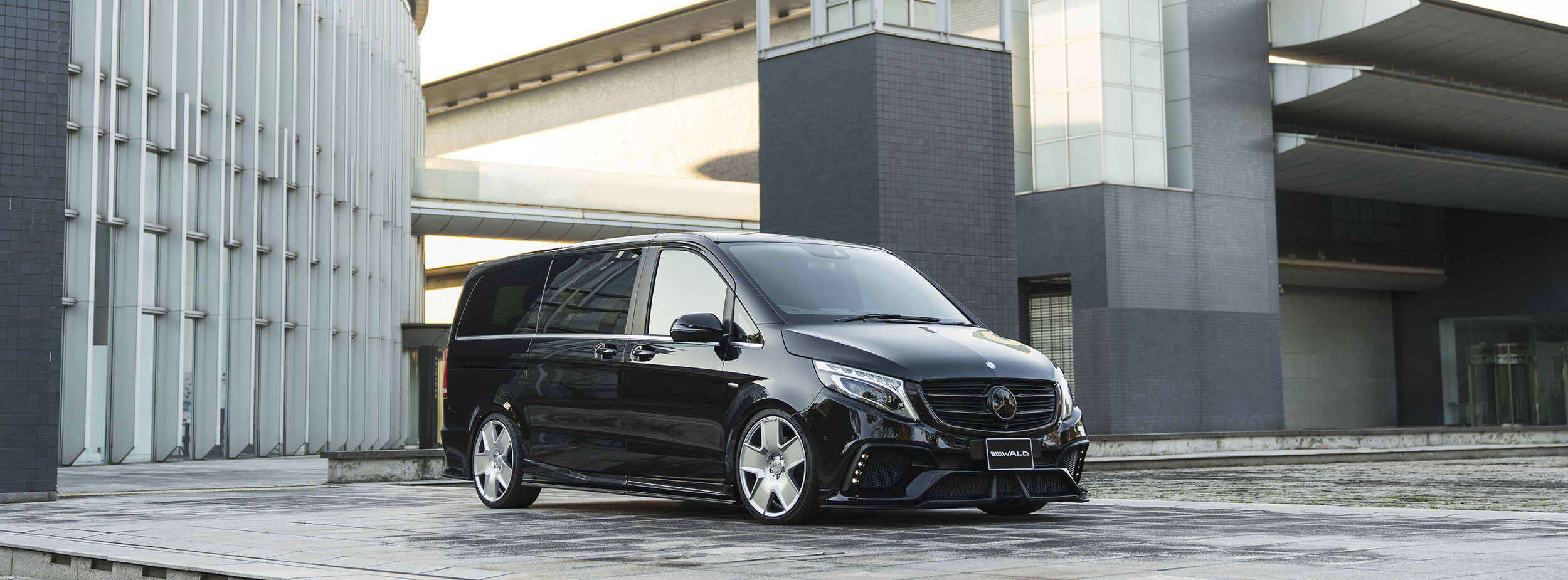 MERCEDES BENZ V-CLASS W447 SPORTS LINE BLACK BISON EDITION